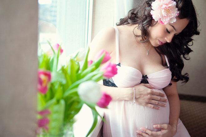 беременная 30 летняя девушка