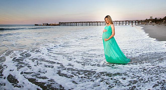 беременная на море