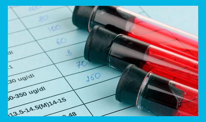 три пробирки с кровью для анализа на гормоны