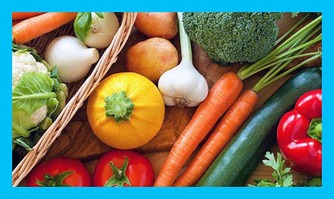 много разных овощей на столе